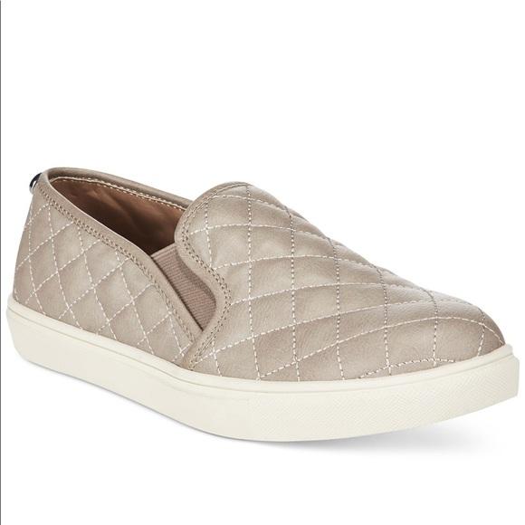 a4d98211827 Steve Madden eccentric sneaker. M 5a89a31f61ca101e904b31fa